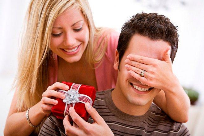 Что подарить на день рождения любимому мужчине?