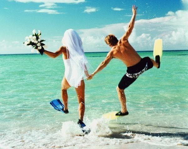 Куда поехать в свадебное путешествие в августе?