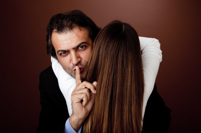 Почему мужчины изменяют жёнам?