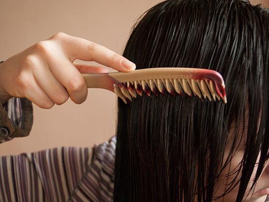 Как смыть репейное масло с волос?