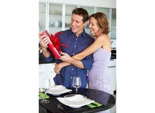 Что подарить мужу на день рождения оригинальное и недорогое? А если нет денег?