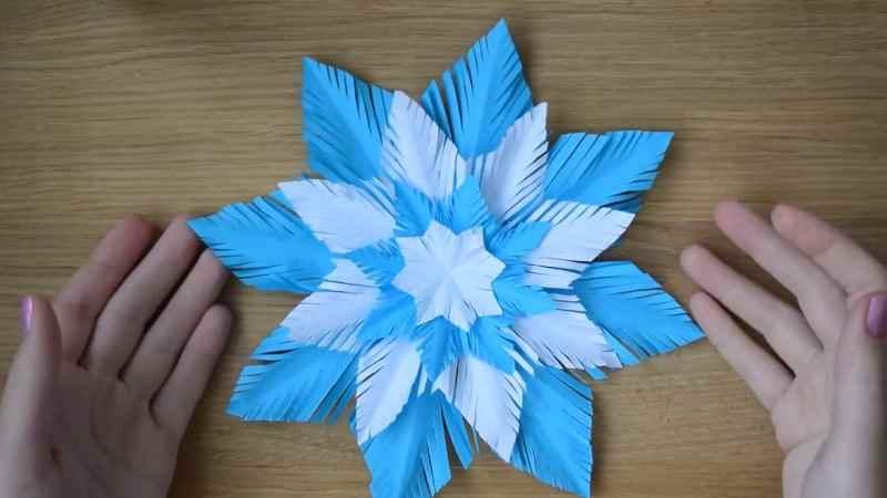 Как сделать красивую объемную снежинку по технологии оригами?