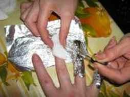 Как снять нарощенные ногти.
