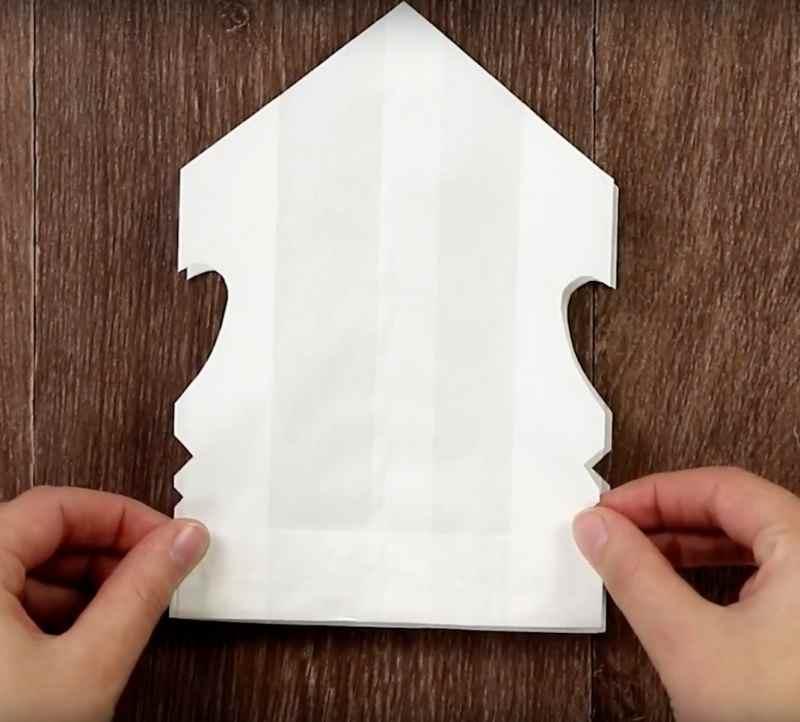 Как сделать из бумаги красивую объемную снежинку?